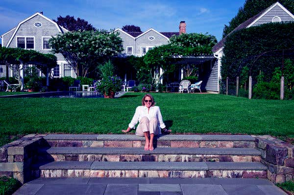 Image of TV Journalist, Katie Couric house